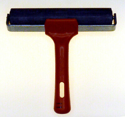 150 mm  Roller with Plastic handle and metal frame UIK Made