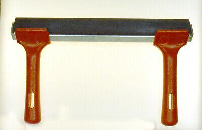 250 mm  Roller with Plastic handle and metal frame UIK Made
