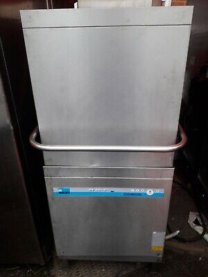 Meiko dishwasher D V 80 .2 commercial pass trough /front loader not Hobart.