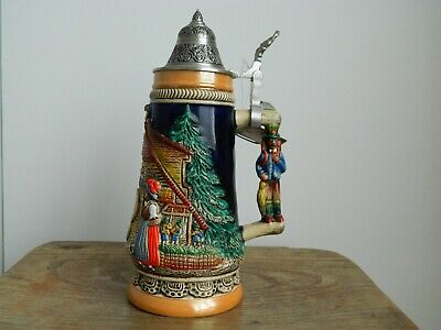 Black Forest Cuckoo Clock Peddler German Beer Stein 0.5L