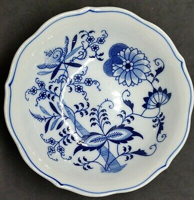 "Blue Danube Japan 6"" Cereal Soup Bowl Blue White"