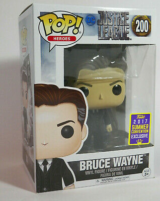 Funko Pop Bruce Wayne 200 SDCC 2017 exclusive DC NEW W/POP PROTECTOR