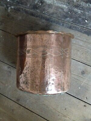 Large Heavy Arts and Crafts Copper Planter Jardiniere Bucket Pot Repousse Border