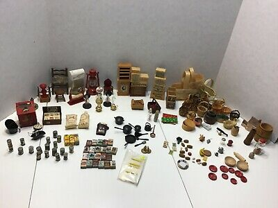 Lot of Miniature Dollhouse Accessories