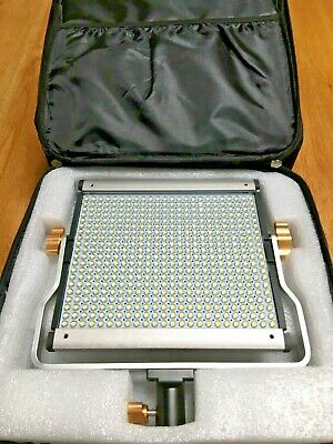 Neewer Dimmable Bi-color 500s LED Studio Video Light 3200-5600K Bracket Holdall