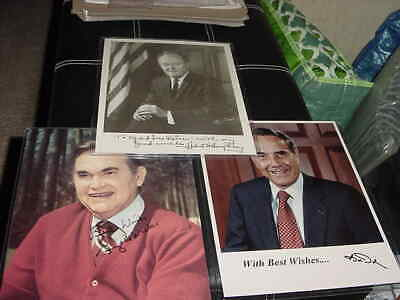 SENATE MAJORITY LEADER BOB DOLE 8X10 PHOTO