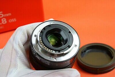 Great condition SONY SEL35F18 35mm f/1.8 OSS Lens E-mount