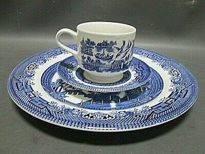 Churchill Blue Willow China 5 PC Place Setting England Preowned Never Used Mint