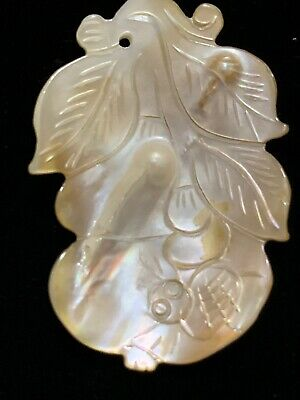 Vintage Carved Chinese Mother Of Pearl Blister Pearl Pendant Fruit Spider