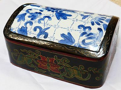 CHINESE VINTAGE Hand Painted Porcelain Lacquer BOX