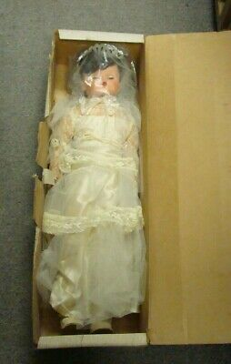 Vintage Betty The Beautiful Bride All-Rubber Body Doll In Original Box!