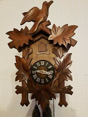 STUNNING   BLACK FOREST CUCKOO CLOCK /Fully  serviced  !! /Very  clean