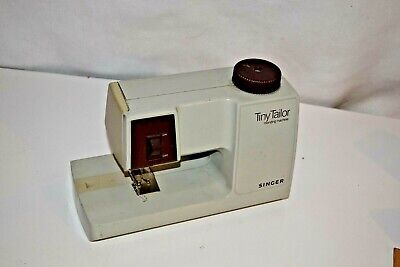Singer Tiny Tailor 1983 Model M100A Sewing Mending Machine Made in France Toy