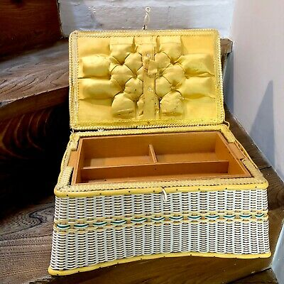 VINTAGE 50S RETRO PLASTIC WOVEN WICKER fluted edged SEWING BOX