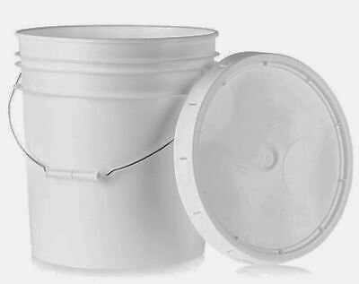 2 Gallon Plastic Bucket With Handle And Lid, White, PB2G