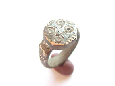 Ancient ROMAN Billon Ring with concentric dots ***EVIL EYE*** Motif  - WEARABLE!