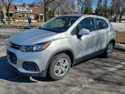 Chevrolet: Trax LS 2017 Chevrolet Trax LS Sport Utility Vehicle 4WD Manual transmission