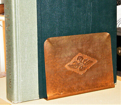 Antique Marked ~MISSION~ARTS & CRAFTS~ HAMMERED COPPER BOOKENDS Flower Relief EX