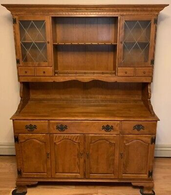 ETHAN ALLEN Heirloom Nutmeg Maple  Buffet with China Cabinet Hutch
