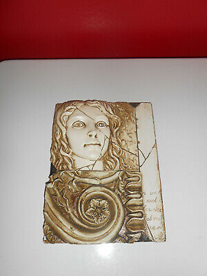 Bella Casa by Ganz Resin plaster lady plaque wall picture
