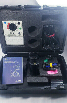 AEMC MegohmMeter Model 1000N with case and accesories