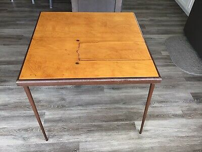 SINGER 221 FEATHERWEIGHT SEWING  machine card TABLE IN VERY NICE COND