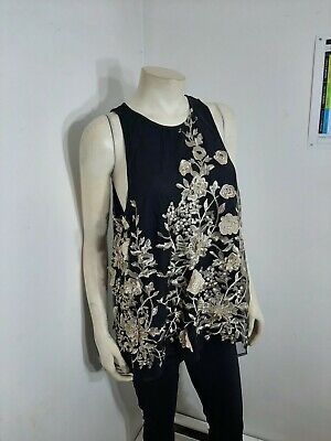 Sunday in Brooklyn Beautiful top Sz L...in excellent condition...no holes,spots