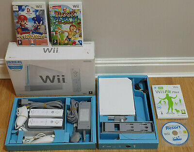 Boxed Nintendo Wii Console Bundle + 2 Remotes + 5 Games Including Wii Sports