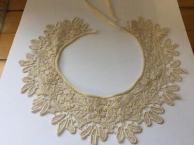 VINTAGE COLLAR -  CREAM LACE Fabric Unknown
