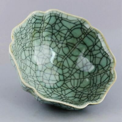 Collect China Old Porcelain Glaze Hand-Carved Delicate Noble Lotus Shape Bowl