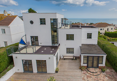 For Sale: 1930's 'Bauhaus'-inspired Seaside Home in Torquay. Devon. SEE VIDEO