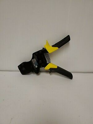 Apollo 3/8 in. to 1 in. 1-Hand PEX Pinch Clamp Tool