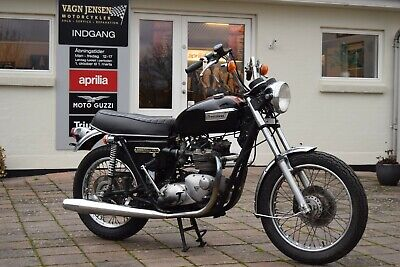 1977 Triumph Bonneville T140V 750 US barn find. Matching numbers
