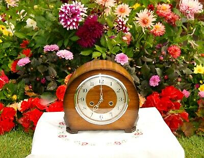 Stunning Smiths  Enfield Antique Art Deco Striking Mantel Clock, 1950.