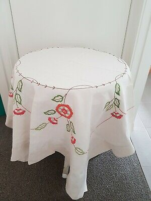 EXQUISITE VINTAGE  TABLECLOTH,  EMBROIDERED. V.G Preloved Condition