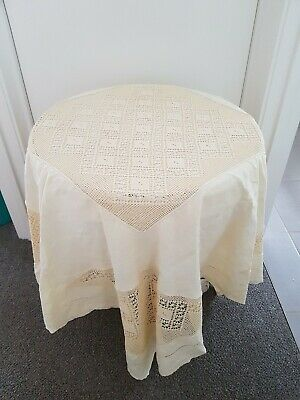 EXQUISITE VINTAGE  TABLECLOTH, Crochet V.G Preloved Condition
