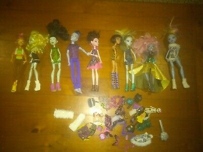 Monster High Dolls 9 plus Bits and pieces see piks