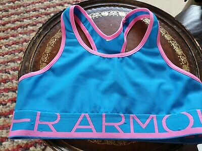 Girls Under Armour   sport crop top. Size child large