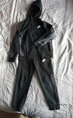 Boys NIKE 6-7 Years Tracksuit Set Jogging Bottoms And Top