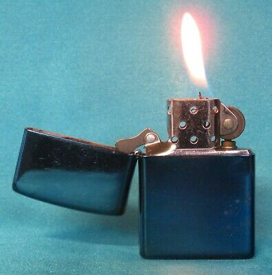 Very Collectable 2007 Midnight Blue Zippo Lighter. Working!