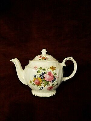 Windsor England Teapot Scalloped Shape Roses Floral VG