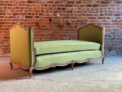 French Daybed Lit de Jour Walnut Louis XV Style 19th Century Circa 1890