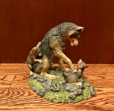 """1995 HAMILTON COLLECTION Wolves of the Wilderness """"Time For Play"""" Figurine"""