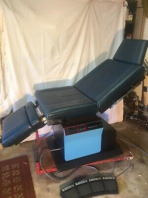 Midmark 111 Examination OBGYN/dermatology Table, Fully Functional, Works Great
