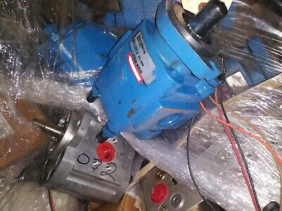New Flyer 239854 Hydraulic Pump Hydraulic Specialty Company 700950 New old stack