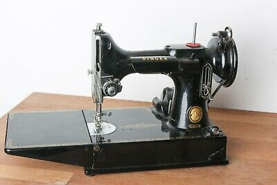 Singer 221K Featherweight Sewing Machine in good used condition