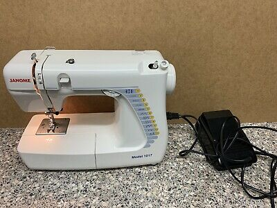 Janome 1017 Compact Portable Electric Sewing Machine Zig Zag Stitch + Pedal
