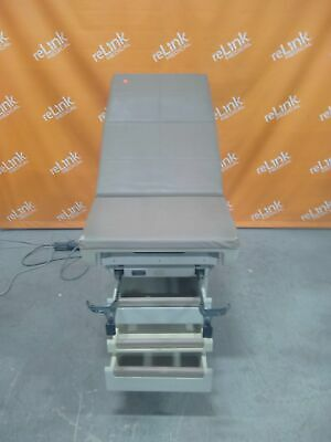 Midmark 404 Exam table