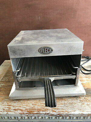 Antique 1940s Fleck Toaster oven.