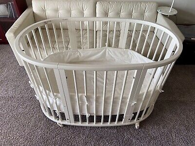 Stokke Sleepi Extended Crib White Excellent Condition with Mattress & Sheet